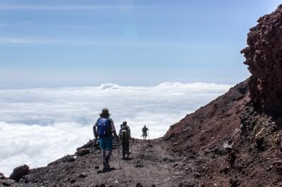 雲海の上を歩く