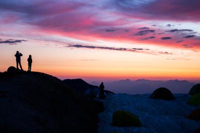 燕山荘から見る朝焼け