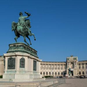 カール大公像